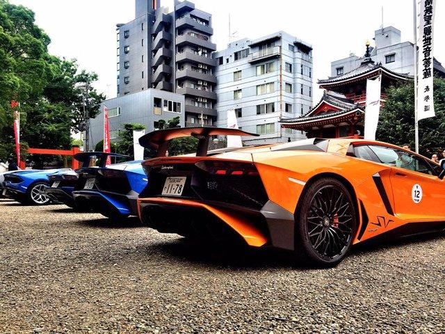 Xem dàn siêu xe Lamborghini khủng của các tay chơi Nhật tụ tập - Ảnh 1.