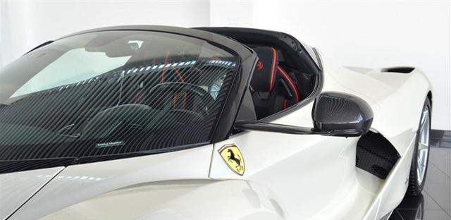Dù đã cháy hàng nhưng Ferrari LaFerrari mui trần vẫn được các đại lý chào bán - Ảnh 7.