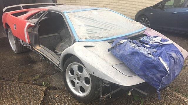 """Hàng hiếm Lamborghini Diablo SE30 có giá """"rẻ mạt"""" 2,8 tỷ Đồng"""