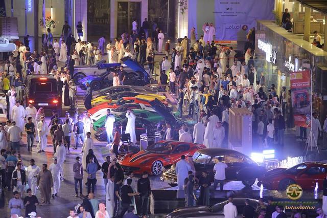 Chuỗi sự kiện Cars and Coffee lần thứ 10 diễn ra tại Ả-rập Xê-út - Ảnh 2.