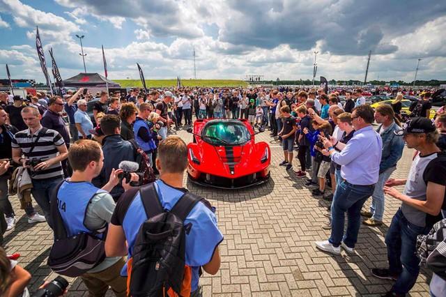 Đại tiệc siêu xe ở trường đua TT-Circuit Assen Hà Lan - Ảnh 4.