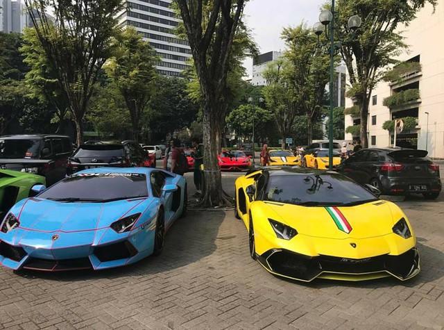 Hơn 30 siêu xe của đại gia Indonesia vây kín khu vực đậu xe tại Jakarta - Ảnh 5.
