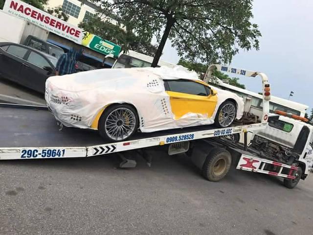 Siêu xe Lamborghini Aventador S LP740-4 2017 bị bắt gặp cho đi đăng kiểm - Ảnh 2.