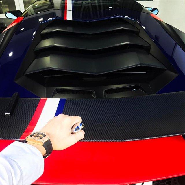 Minh Nhựa thay đổi ngoại thất cho siêu xe Lamborghini Aventador SV 32 tỷ Đồng - Ảnh 4.