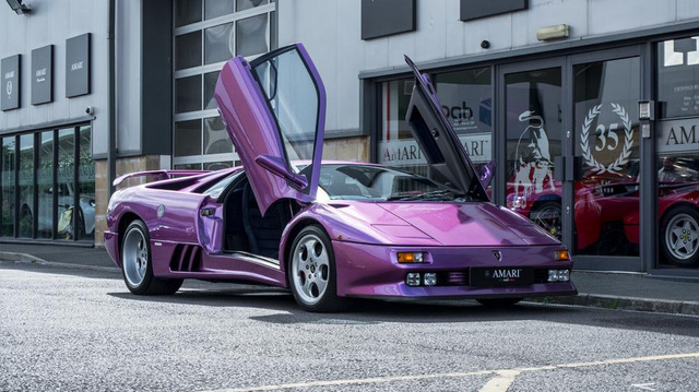 """Hàng hiếm Lamborghini Diablo SE30 của ca sĩ Jay Kay rao bán giá """"chát"""""""