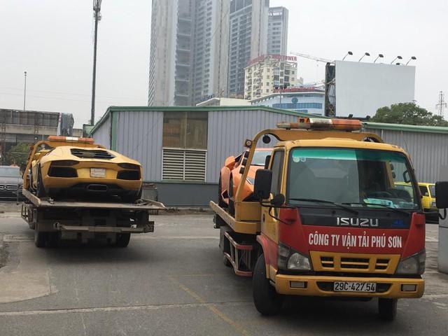 Cặp đôi siêu xe Lamborghini 39 tỷ Đồng được vận chuyển về quê ăn Tết - Ảnh 1.