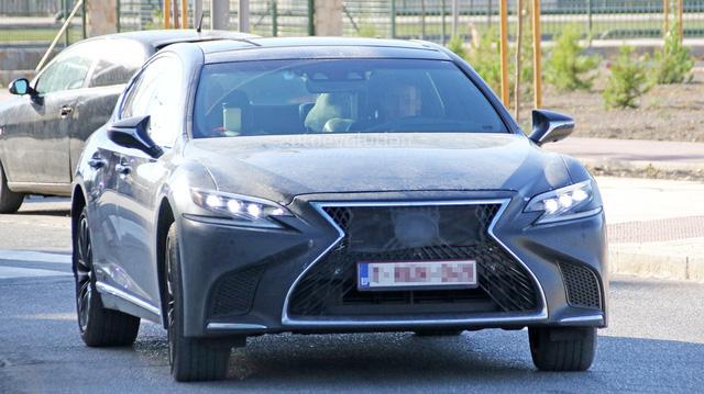 Chiếc xe sang Lexus LS 2019 bí ẩn xuất hiện trên đường thử
