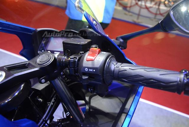 Cận cảnh Suzuki GSX-R150, đối thủ chính của Yamaha R15 và Honda CBR150R - Ảnh 12.