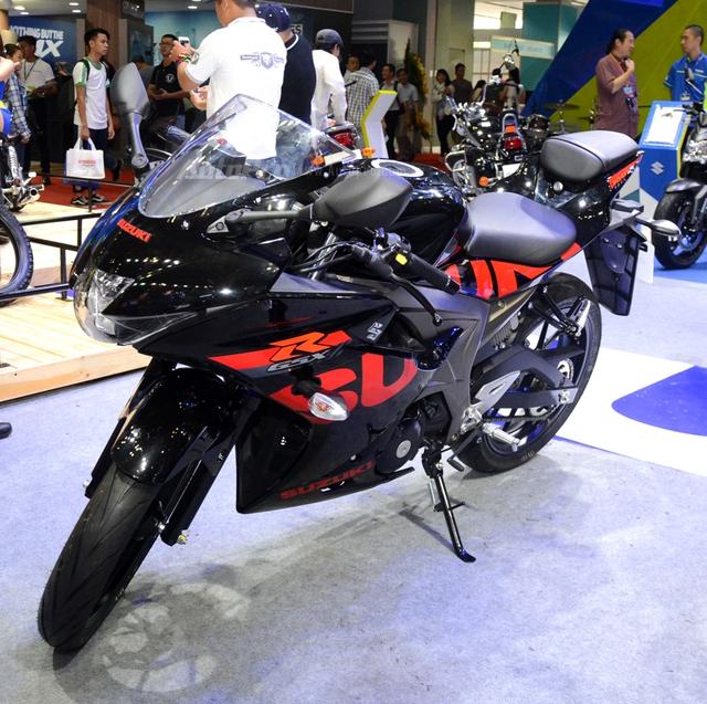 Cận cảnh Suzuki GSX-R150, đối thủ chính của Yamaha R15 và Honda CBR150R - Ảnh 2.