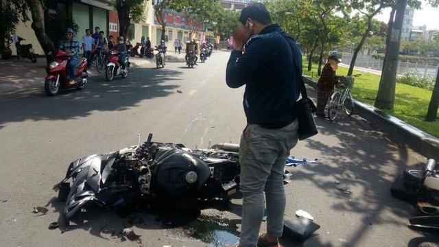 Sài Gòn: Thanh niên cầm lái BMW S1000RR đâm xe máy khiến 1 người bất tỉnh tại chỗ - Ảnh 2.