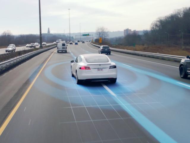 Những điều ấn tượng nhất mà xe tự lái Tesla có thể làm được - Ảnh 4.