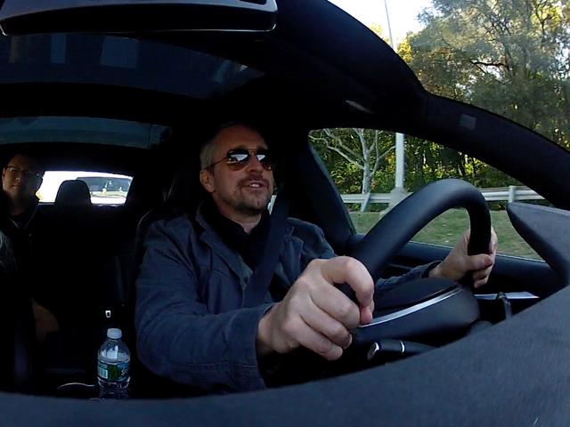 Những điều ấn tượng nhất mà xe tự lái Tesla có thể làm được - Ảnh 6.