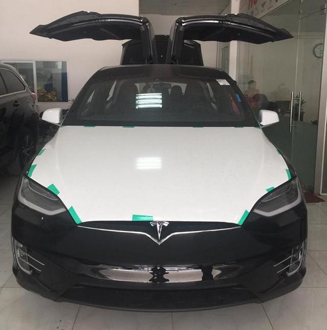 Tesla Model X P100D đầu tiên tại Việt Nam xuất hiện ở Hà Nội - Ảnh 1.