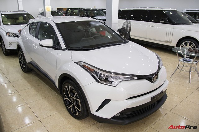"""Ảnh chi tiết Toyota C-HR - hàng """"hot"""" Nhật Bản đầu tiên cập bến Việt Nam - Ảnh 2."""