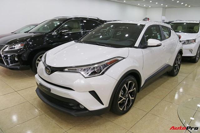 Toyota C-HR vừa về Việt Nam là crossover bán nhạy nhất tại Nhật Bản - Ảnh 1.