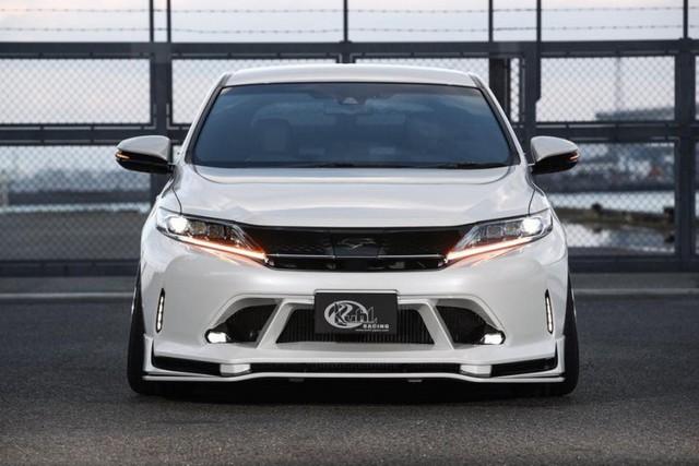 SUV của Toyota bị biến thành bản độ chân vòng kiềng - Ảnh 4.