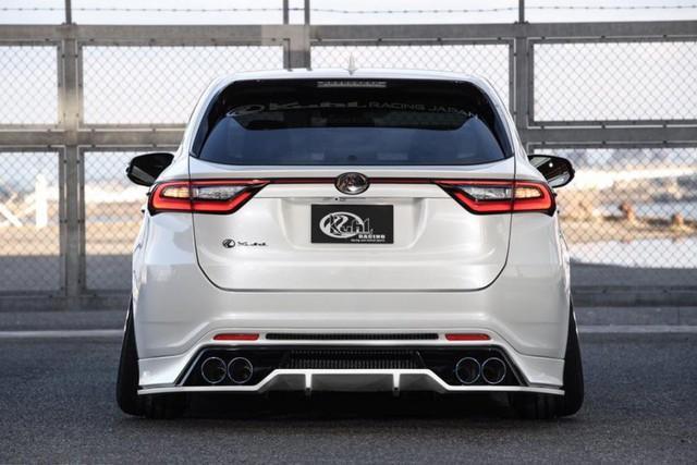 SUV của Toyota bị biến thành bản độ chân vòng kiềng - Ảnh 3.