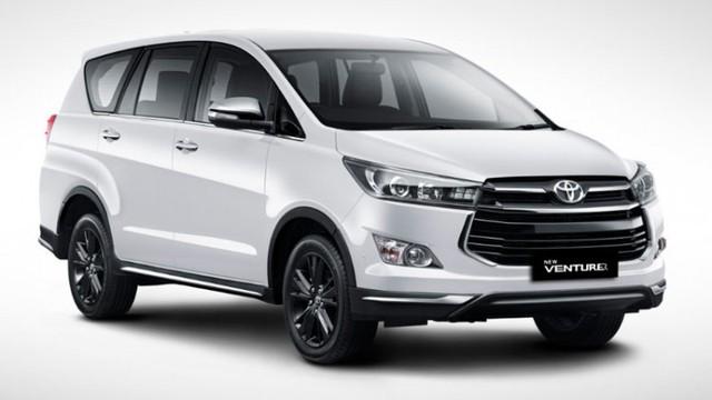 Toyota giảm giá mạnh nhiều mẫu xe lắp ráp trong nước - Ảnh 1.