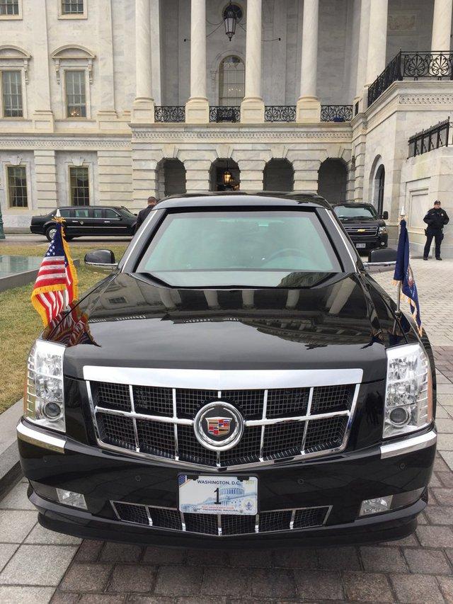 Tân tổng thống Mỹ Donald Trump sử dụng lại xe cũ của ông Obama trong lễ nhậm chức - Ảnh 1.
