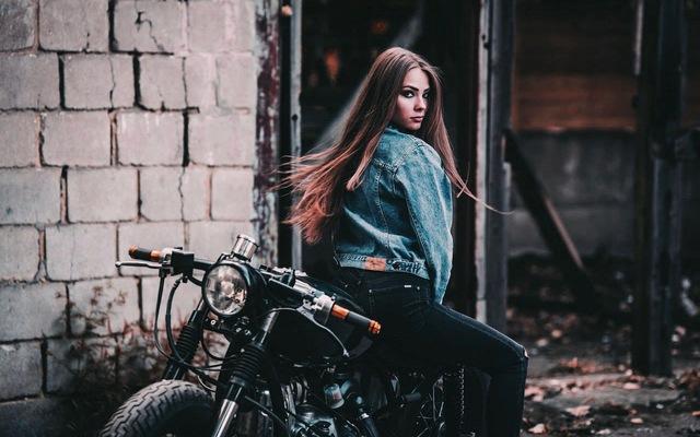 Chất như cô nàng bên xế độ Ural - Ảnh 4.