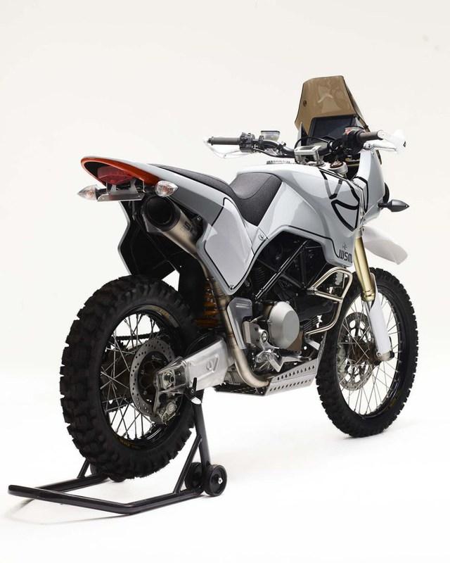 Ducati Hypermotard 1100 biến hình thành xe adventure chính hiệu - Ảnh 5.