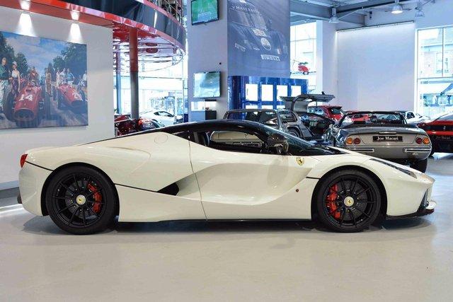 Đây là 2 chiếc Ferrari LaFerrari có giá điên rồ nhất thế giới, tổng giá trị gần 500 tỷ Đồng - Ảnh 11.