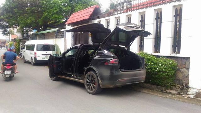 Tesla Model X P100D thứ 2 Việt Nam ra biển số Đồng Nai - Ảnh 3.