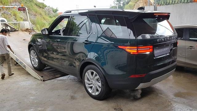Land Rover Discovery thế hệ thứ 5 đầu tiên đã có chủ ở Việt Nam