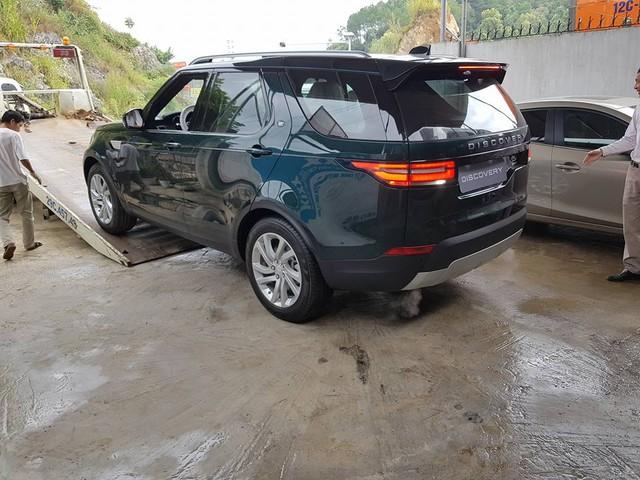 Tay chơi Lạng Sơn tậu Land Rover Discovery thế hệ thứ 5 đầu tiên tại Việt Nam - Ảnh 2.