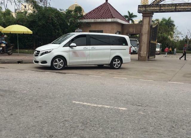 Mercedes-Benz C200 2017 làm xe taxi tại Quảng Ninh - Ảnh 2.
