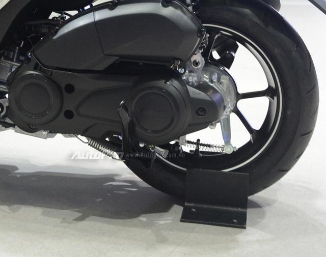Yamaha trình làng NVX 155 bản giới hạn, khác biệt từ màu sơn và giảm xóc sau - Ảnh 11.