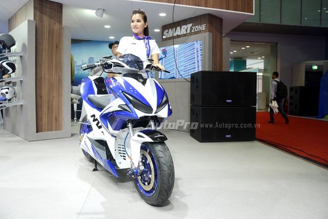 Bộ đôi Yamaha NVX 155 độ chính hãng ấn tượng tại triển lãm VMCS 2017 - Ảnh 4.