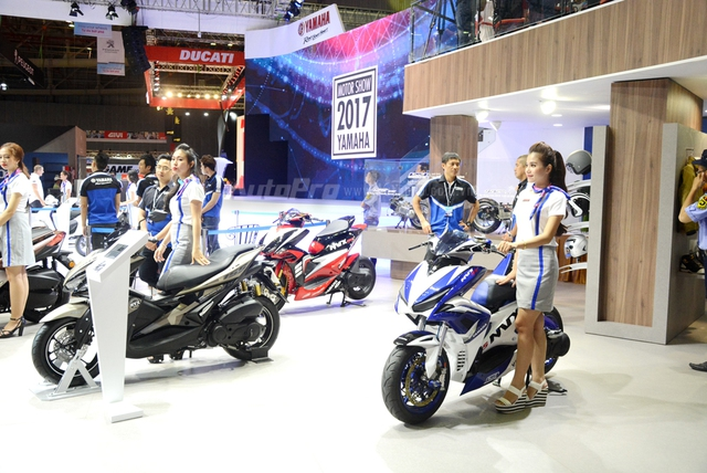 Bộ đôi Yamaha NVX 155 độ chính hãng ấn tượng tại triển lãm VMCS 2017 - Ảnh 1.