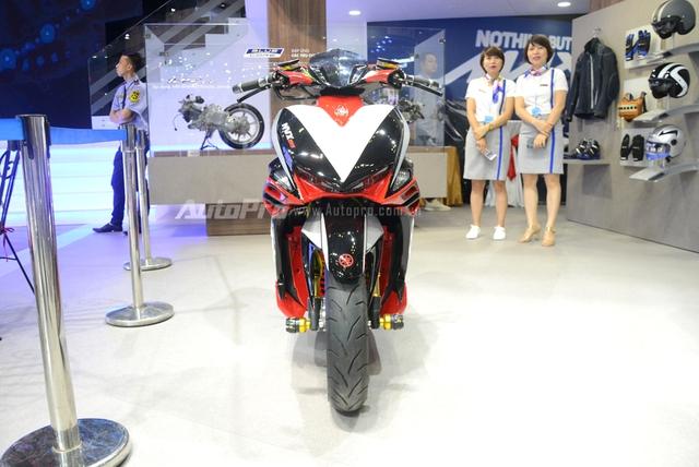 Bộ đôi Yamaha NVX 155 độ chính hãng ấn tượng tại triển lãm VMCS 2017 - Ảnh 3.