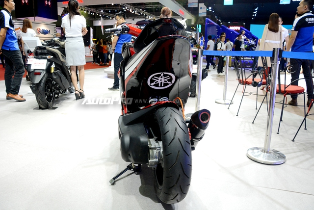Bộ đôi Yamaha NVX 155 độ chính hãng ấn tượng tại triển lãm VMCS 2017 - Ảnh 15.