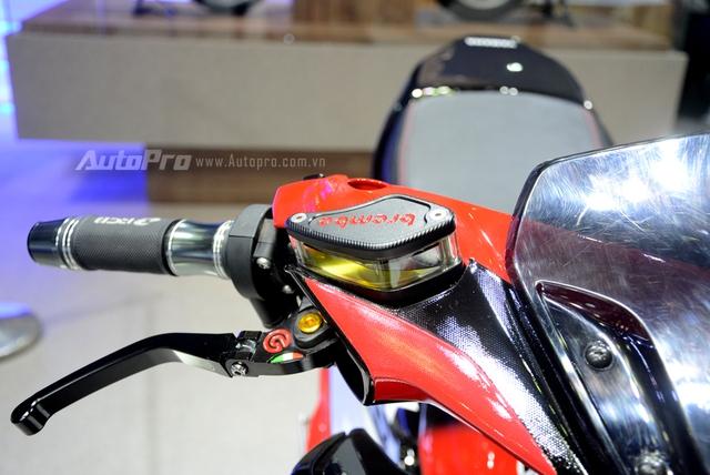 Bộ đôi Yamaha NVX 155 độ chính hãng ấn tượng tại triển lãm VMCS 2017 - Ảnh 10.