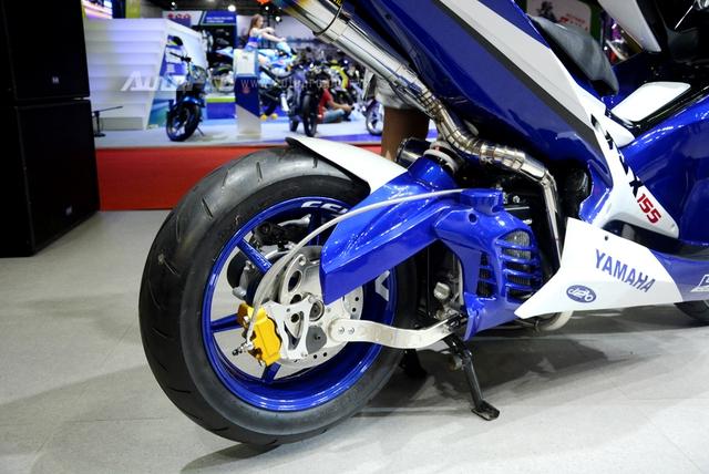 Bộ đôi Yamaha NVX 155 độ chính hãng ấn tượng tại triển lãm VMCS 2017 - Ảnh 8.