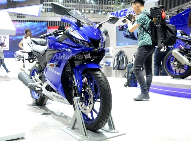 Cận cảnh Yamaha R15 3.0 2017 đầu tiên xuất hiện tại Việt Nam - Ảnh 1.