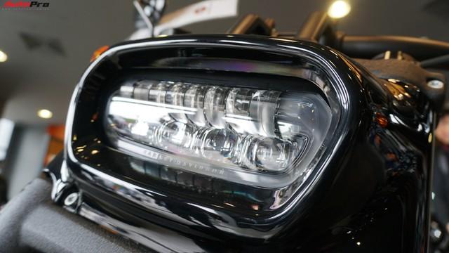 [Video] Cận cảnh Harley-Davidson Fat Bob 2018 giá gần 1 tỷ đồng tại Hà Nội - Ảnh 2.