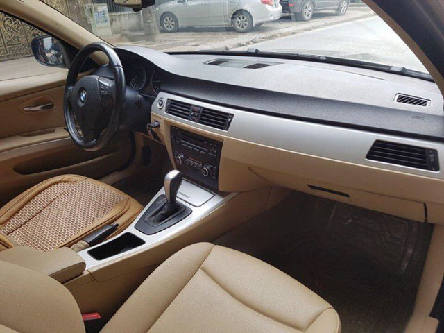 BMW 320i 2009 rao bán lại giá ngang Toyota Vios số sàn - Ảnh 3.