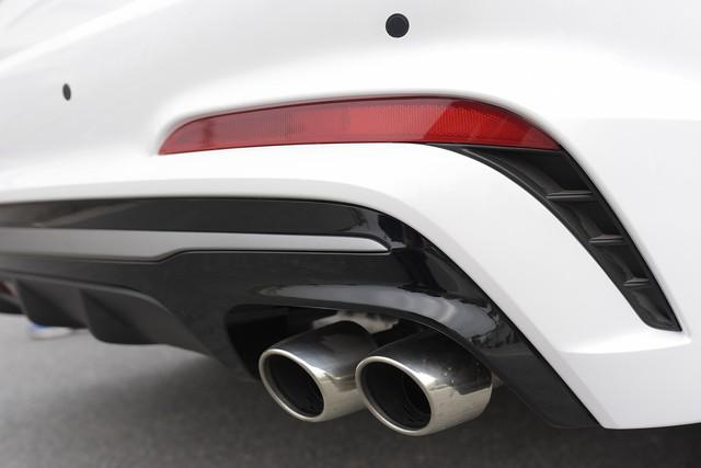 Đấu Mazda3, Hyundai Elantra Sport giá 729 triệu đồng tại Việt Nam - Ảnh 11.