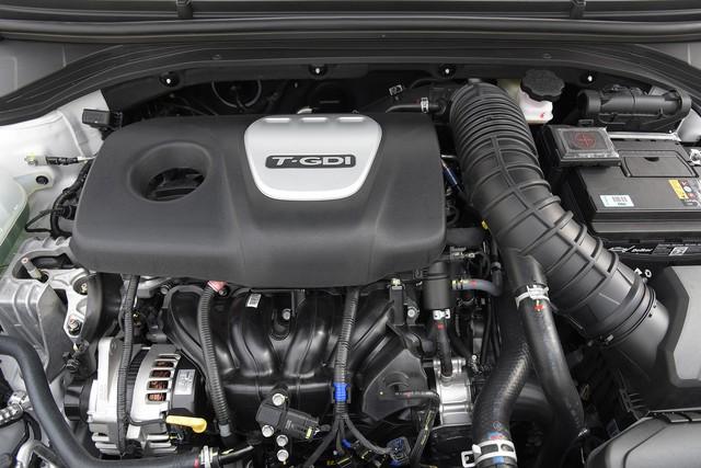 Đấu Mazda3, Hyundai Elantra Sport giá 729 triệu đồng tại Việt Nam - Ảnh 3.