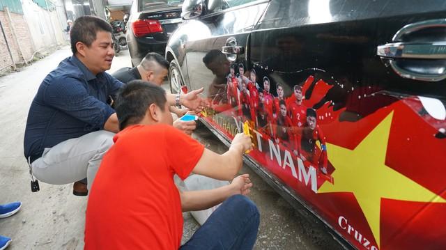 Cruze Club tất bật chuẩn bị diễu hành đón chung kết AFC CUP 2018