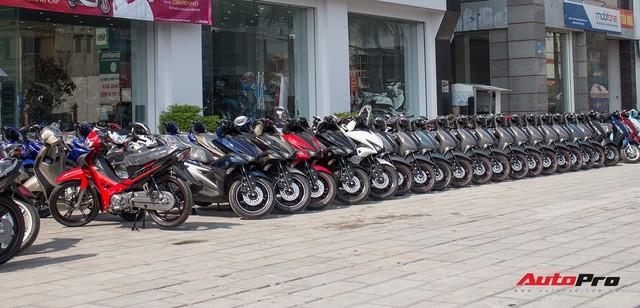 Thị trường xe máy cuối năm vắng bóng khuyến mại - Ảnh 4.