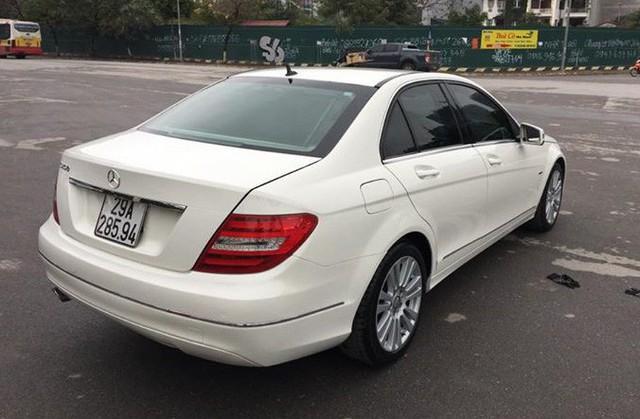 Có 740 triệu đồng, chọn Mazda3 2.0 mới hay Mercedes-Benz C250 2012? - Ảnh 3.