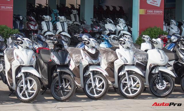 Thị trường xe máy cuối năm vắng bóng khuyến mại - Ảnh 3.