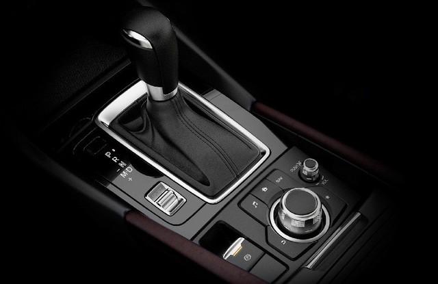 Có 740 triệu đồng, chọn Mazda3 2.0 mới hay Mercedes-Benz C250 2012? - Ảnh 9.