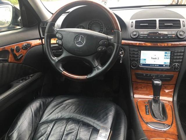 Từ 2 tỷ đồng, Mercedes-Benz E280 đời 2007 rao bán lại giá 500 triệu đồng - Ảnh 12.