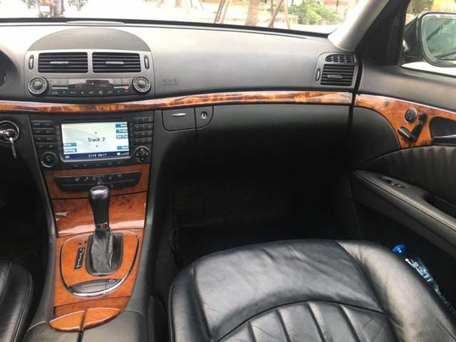 Từ 2 tỷ đồng, Mercedes-Benz E280 đời 2007 rao bán lại giá 500 triệu đồng - Ảnh 11.