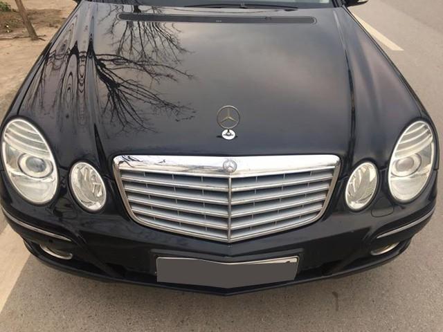 Từ 2 tỷ đồng, Mercedes-Benz E280 đời 2007 rao bán lại giá 500 triệu đồng - Ảnh 4.